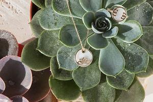Co kupić na Dzień Kobiet: subtelna biżuteria YES spodoba się kobietom ceniącym elegancki minimalizm