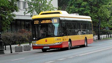 Komunikacja w Warszawie. Autobus linii 222