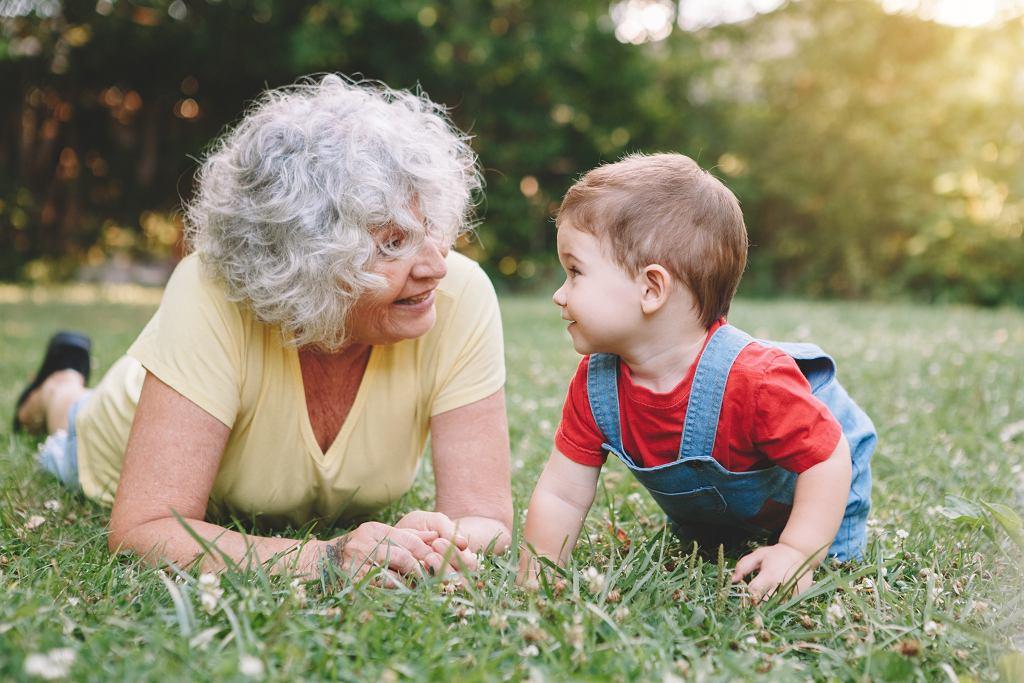 Życzenia na Dzień Babci. Lista najpiękniejszych życzeń i rymowanych wierszyków