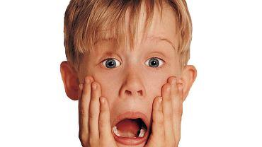 Macaulay Culkin jako Kevin. Tę minę znają chyba wszyscy (fot. materiały prasowe)