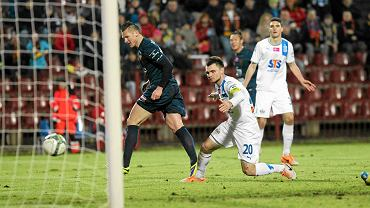Marcin Robak podczas meczu Pogoń - Lech 5:1