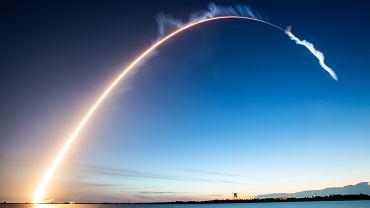 Konflikty zbrojne w kosmosie? Dowódca Sił Kosmicznych USA: Rosyjskie satelity podążają za naszymi
