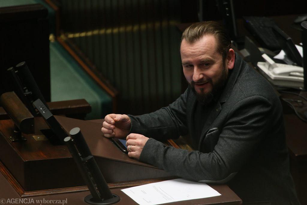 Piotr Liroy-Marzec podczas środowego posiedzenia Sejmu