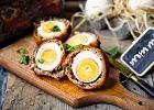 Jajka wskorupkach z mięsa z białej kiełbasy (po szkocku)