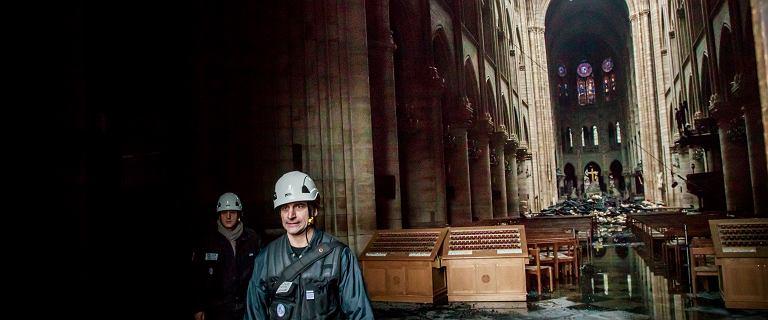 Notre Dame nie wróci do pierwotnej formy. Dach zrobiony był z 800-letnich drzew