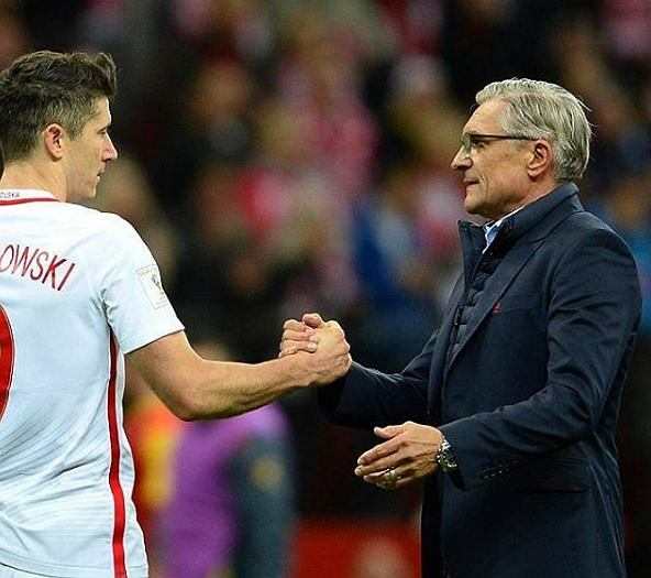 Robert Lewandowski w pięknym stylu podziękował trenerowi Adamowi Nawałce