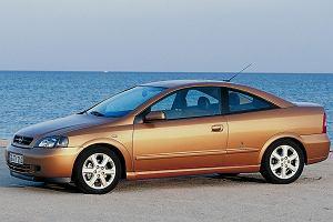 Używane Opel Astra II vs. VW Golf IV - opinie. Bestsellerowe kompakty za jedną wypłatę