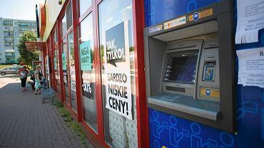 Bankomat przy ul. Chałubińskiego, przez który została okradziona pani Danuta.