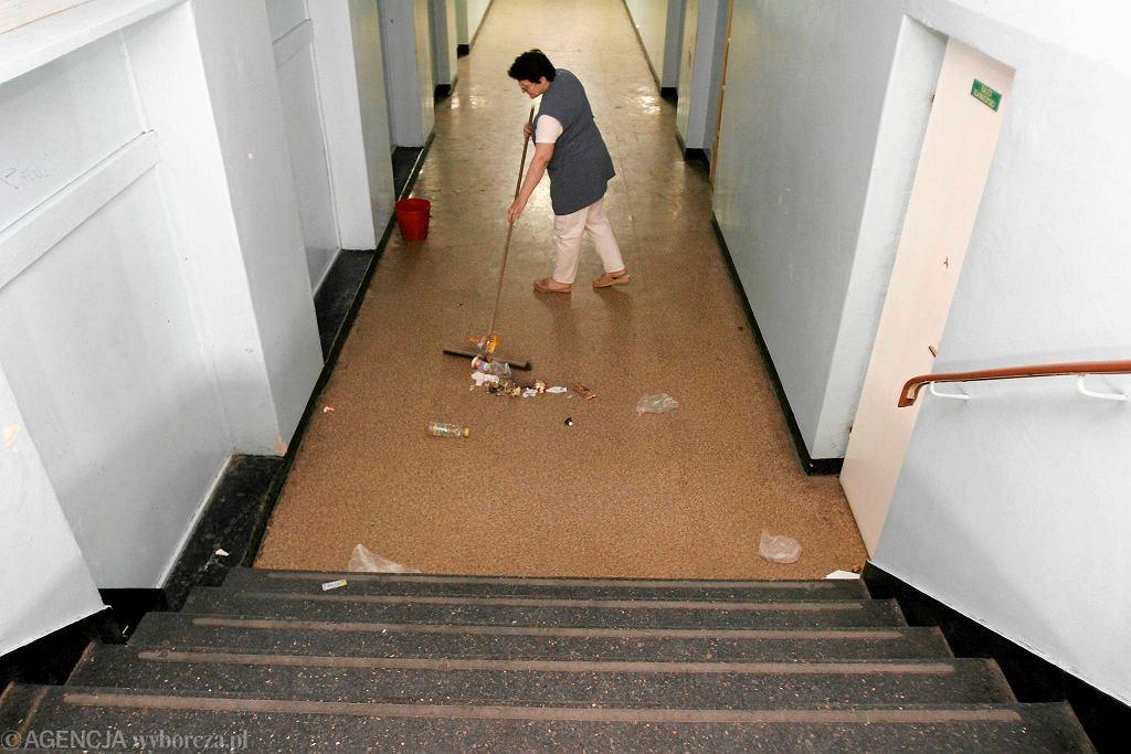 Przetarg na usługi sprzątania.