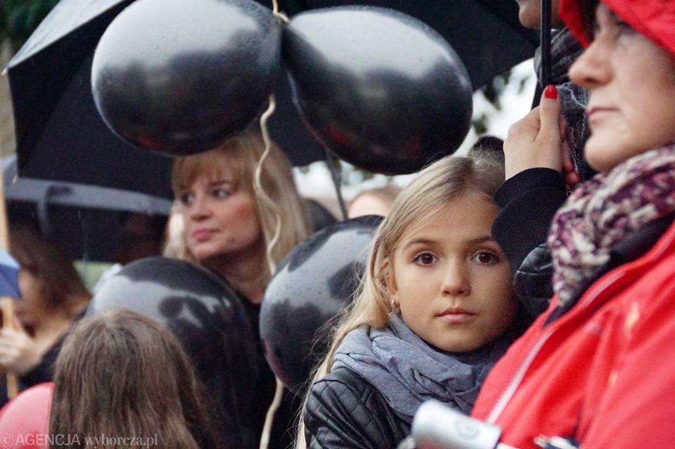 Zdjęcie numer 25 w galerii - Czarny protest w Zielonej Górze: