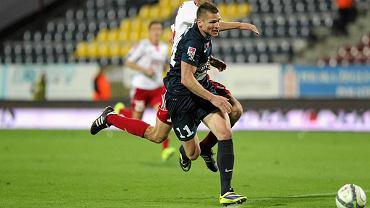Marcin Robak podczas meczu Pogoń - Piast