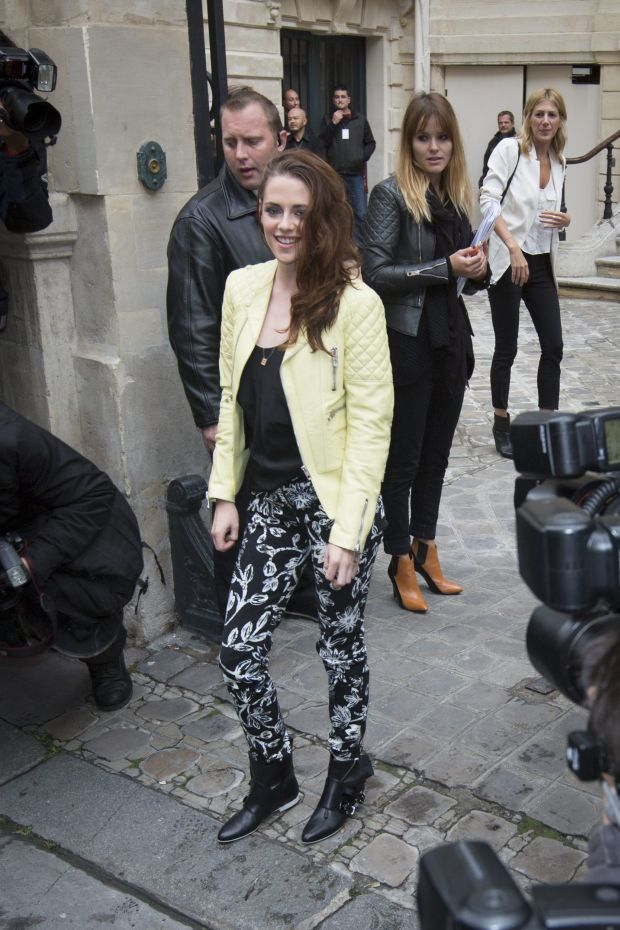 Paris, France, 2012 september 27. Kristen Stewart, american actress. Arrivals at the Balenciaga spring summer show. Paris Fashion week. ?Wavier de Torres/Maxppp.