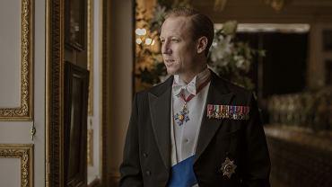 Tobias Manzies jako książę Filip