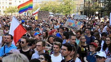 Demonstracja 'Poznań przeciw przemocy . Soldarni z LGBT+ '