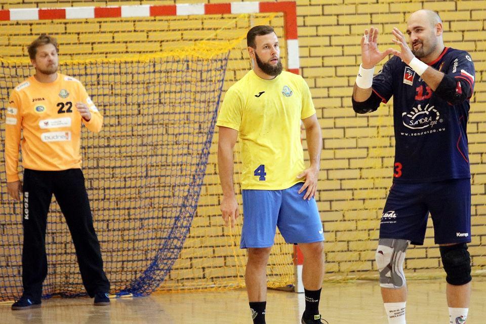 Zdjęcie numer 2 w galerii - Piłkarze ręczni za chwilę ruszają z przygotowaniami do Ligi Centralnej. Zagrają dwa mecze z Pogonią Szczecin