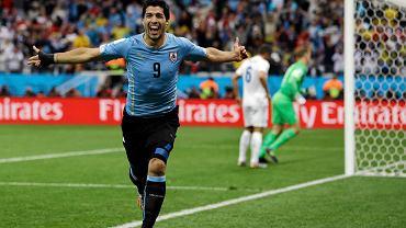 Suarez cieszy się ze strzelonego gola przeciwko Anglii.
