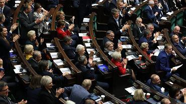 Glosowanie nad powolaniem nowego Rzecznika Praw Dziecka  . Kandydatka PiS Agnieszka Maria Dudzińska zostala odrzucona