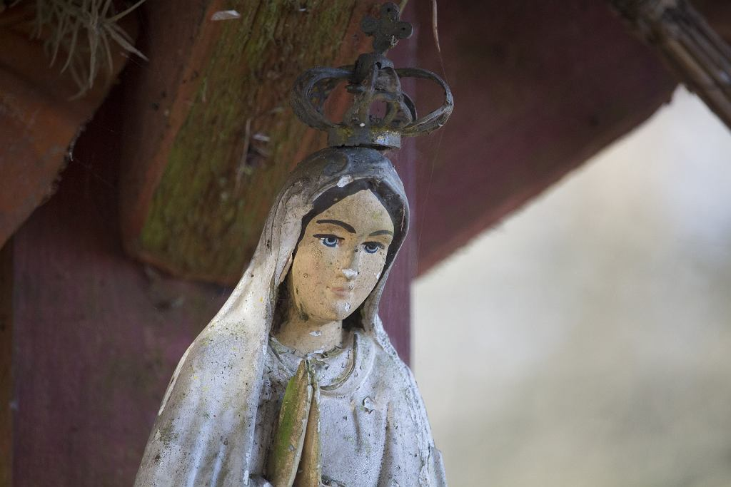 Zdewastowali figurę Matki Boskiej w Otwocku [zdjęcie ilustracyjne]