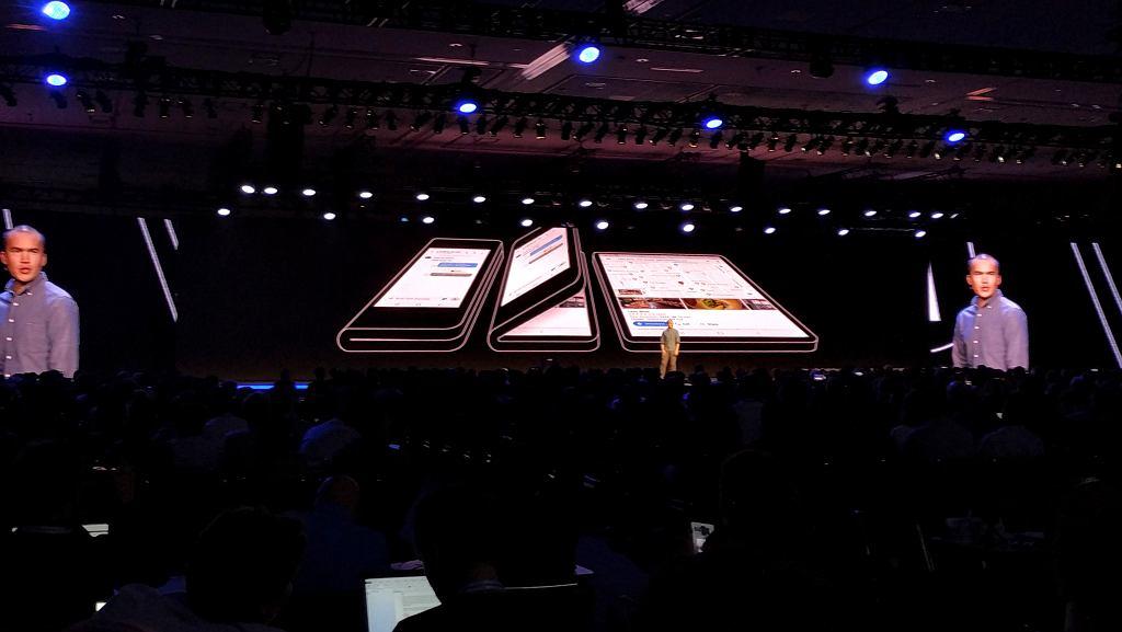 Samsung prezentuje składany smartfon
