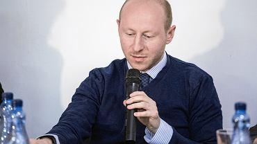 Debata  'Macierewicz, Rosja, świat' z udziałem pisarza Tomasza Piątka