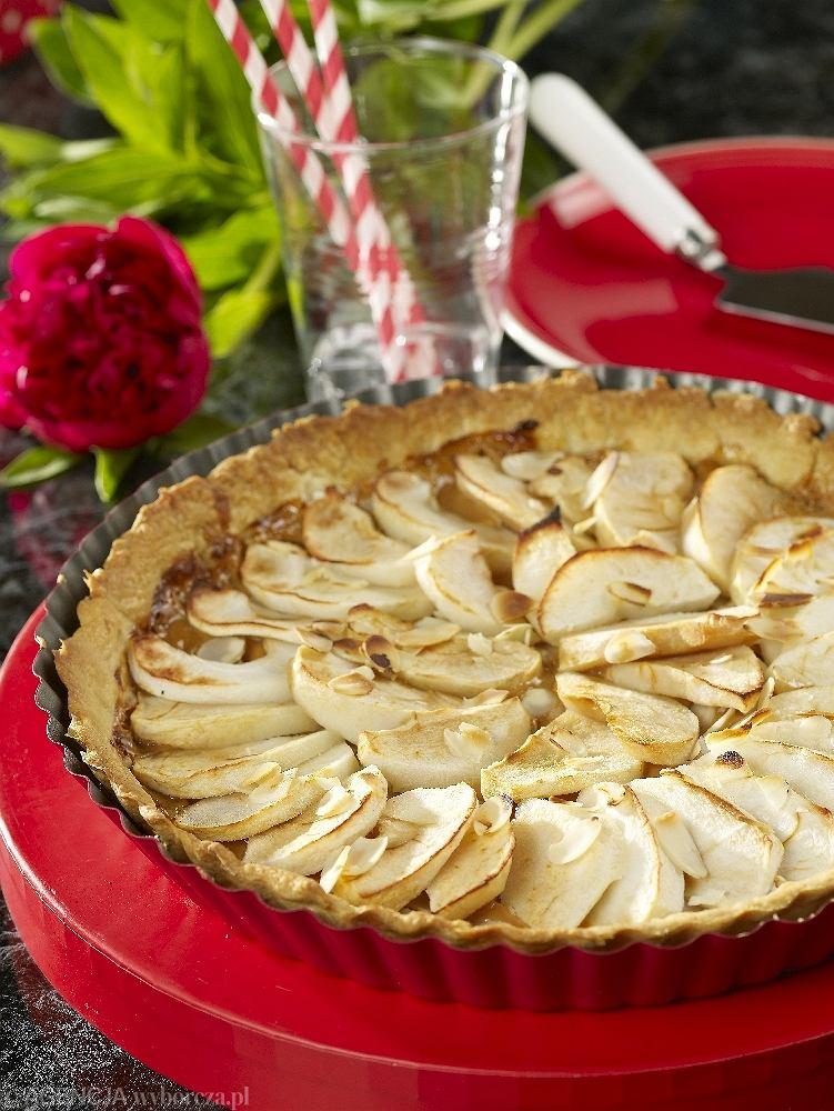 Tarta z jabłkami i kajmakiem