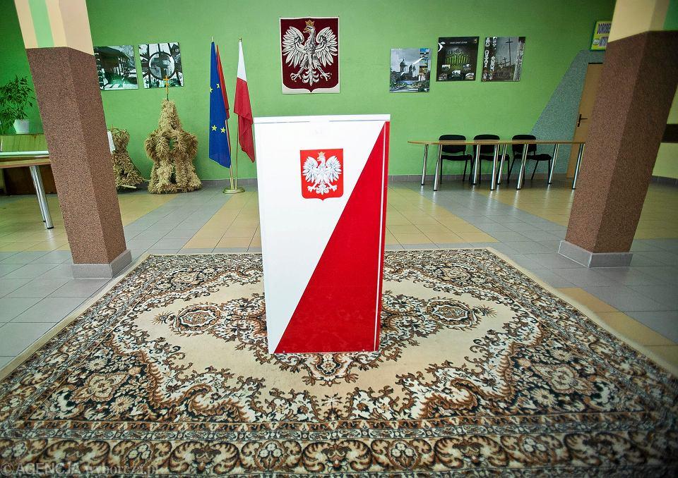 Wybory. Obwodowa Komisja Wyborcza nr 1 w Gminie Czyże, 10 maja 2015