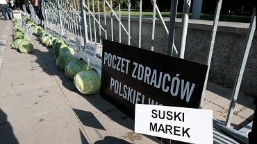 Protest AgroUnii. 365 kapuścianych głów przed Sejmem