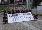 Młodzi poloniści prowokują pod stadionem Legii