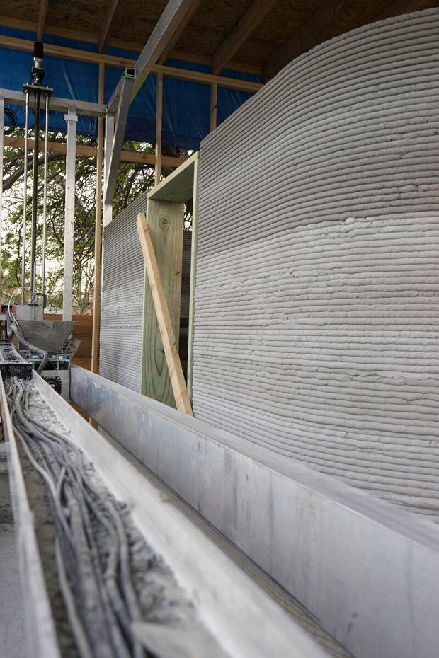 Proces budowy domu przy użyciu drukarki Vulcan