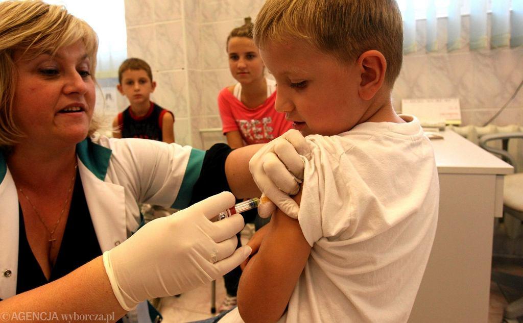 Odporność nabyta po szczepieniu przeciw krztuścowi nie jest trwała, może wygasać już po upływie 3 lat.