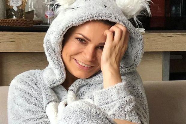 Joanna Górska ma za sobą walkę o zdrowie. Dziennikarka Polsatu pokonała raka i teraz pokazała, jak wyglądają jej włosy po terapii.