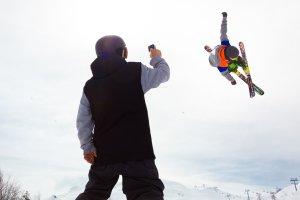 Jak zrobić dobre wideo na nartach? Poradnik początkującego filmowca
