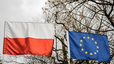 Flagi Polski i Unii Europejskiej
