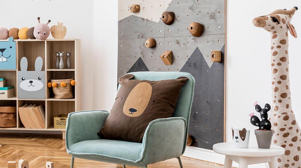 Ścianka wspinaczkowa to sprytne rozwiązanie do domu, które ucieszy każde dziecko.