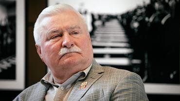 Lech Wałęsa podczas otwarcia wystawy zdjęć autorstwa dr. Petera Magubane - osobistego fotografa Nelsona Mandeli. Gdańsk, ECS, 6 czerwca 2016