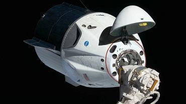 Elon Musk wreszcie wysyła ludzi w kosmos. SpaceX z pierwszą misją załogową za trzy miesiące
