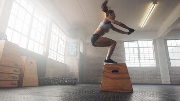 Trening interwałowy pozwala spalić mnóstwo kalorii i pięknie wyrzeźbić ciało