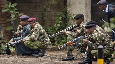 Siły wojskowe przygotowują się do szturmu
