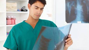 Urografia może uwidocznić kamienie nerkowe, guzy, wady wrodzone układu moczowego i inne choroby nerek