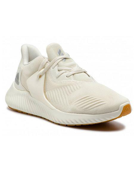 Buty sportowe Adidas tańsze o 70 złotych