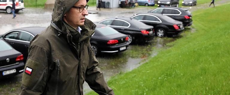 """Morawiecki na posiedzeniu sztabu kryzysowego: """"Módlmy się, by deszcz przestał padać"""""""