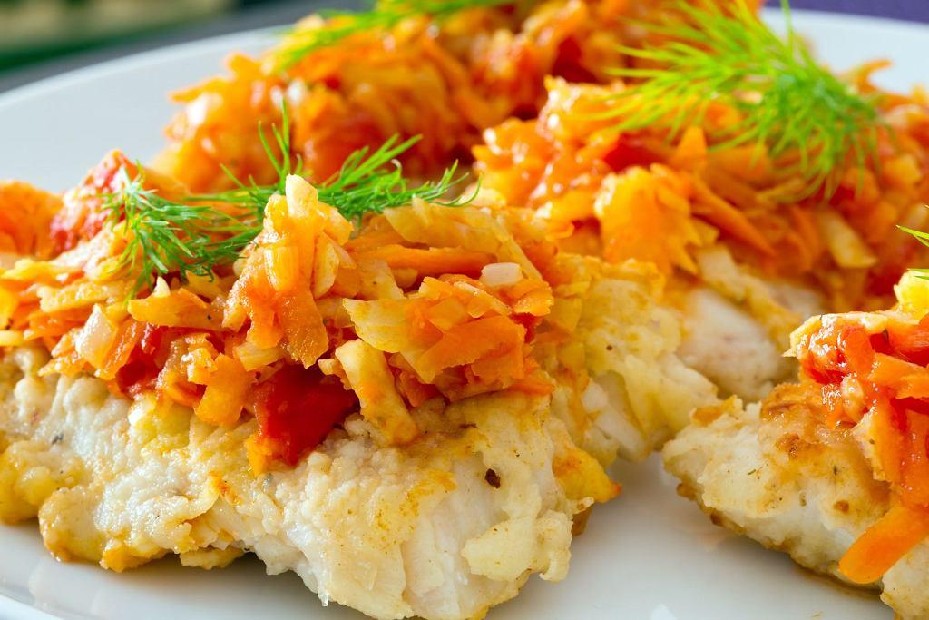 Ryba po grecku - przepis tradycyjny czy nowoczesny? Wybierz, co lubisz!