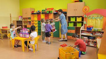 Przedszkola i żłobki otwarte. Co z zasiłkiem opiekuńczym? (zdjęcie ilustracyjne)