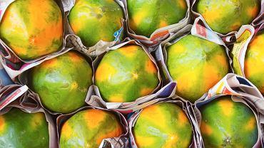 Papaja to owoc, który należy jeść jedynie, gdy jest w pełni dojrzały