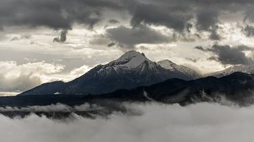 Powrót zimy w Tatrach. TOPR ostrzega przed lawinami (zdjęcie ilustracyjne)
