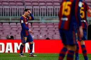 """""""Rzeź w szatni"""" Barcelony. Laporta nie ma sentymentów. Koniec ze """"świętymi krowami"""""""