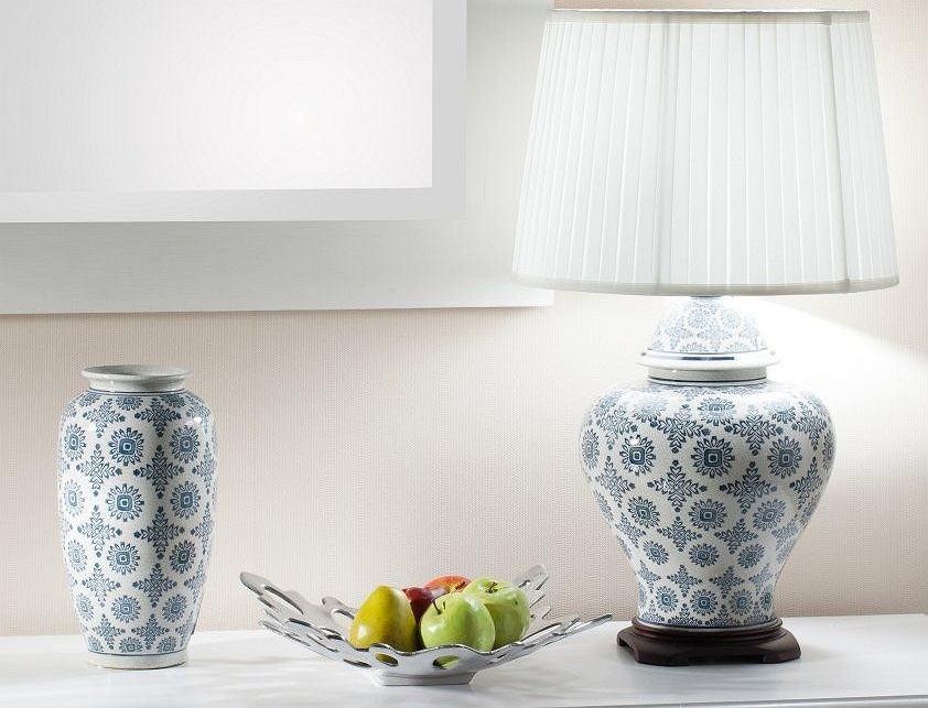 Wazon ceramiczny w stylu vintage.