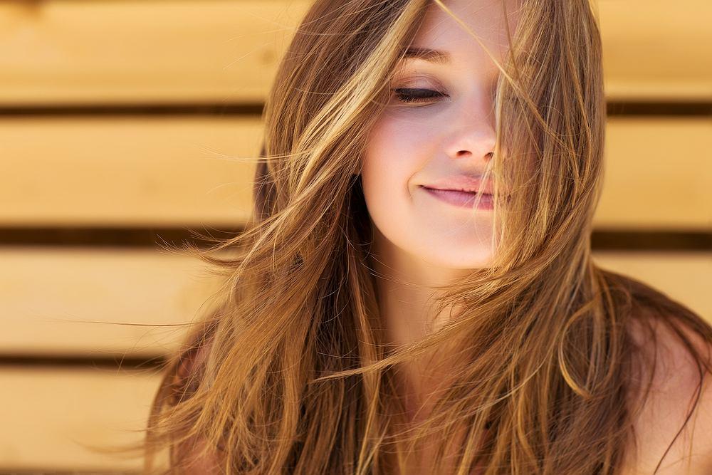 Biotyna znana jest przede wszystkim ze względu na dobroczynny wpływ na skórę, włosy i paznokcie.