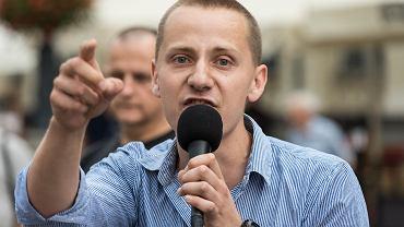 Jacek Międlar w czasie promocji swojej książki