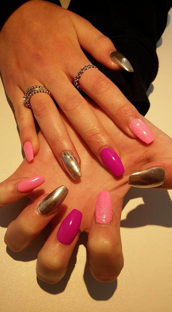 Co kształt paznokci mówi o Tobie?